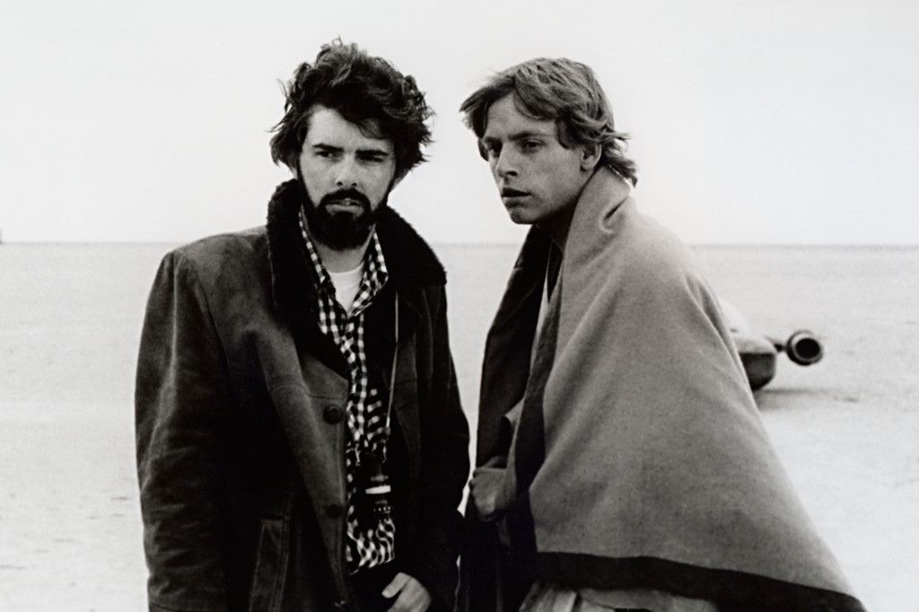 En bild från 1976 på George Lucas och Mark Hamill under inspelningen i Tunisien. Foto: AP